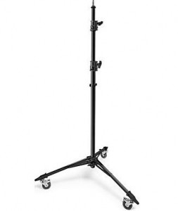 calumet-rolling-light-stand
