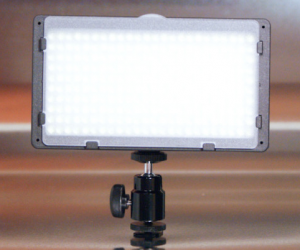 240-led-video-light