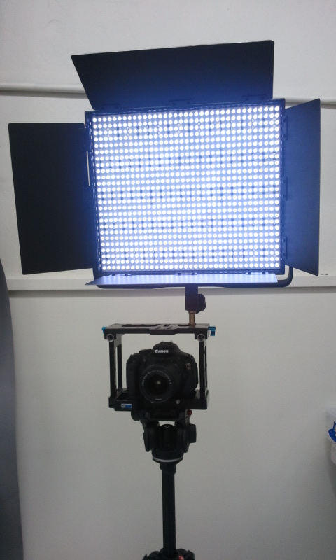 Canon-T3i_LetusCage-900LED (2)